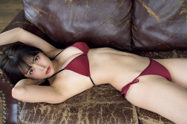 山本彩の卒業間近のNMB48、10代含む新世代達が決意のビキニおっぱいグラビア
