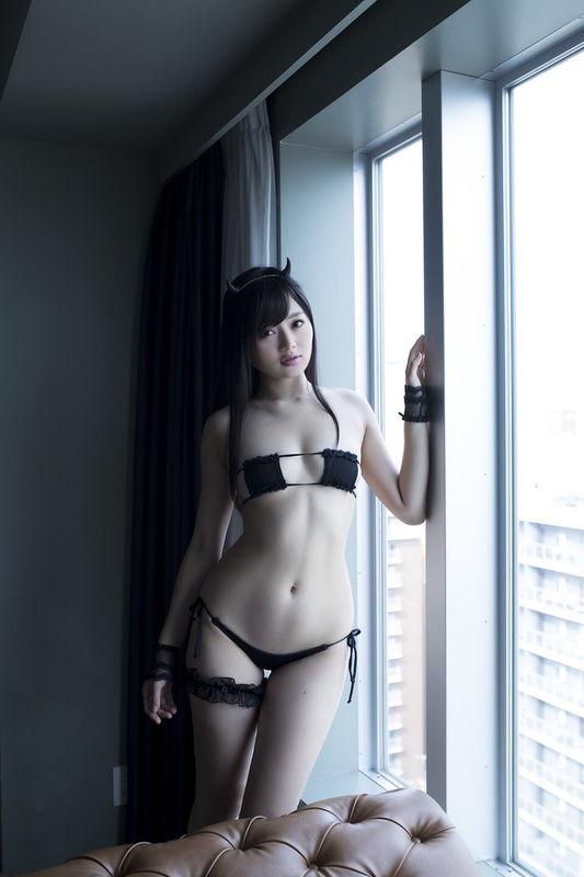 島根PR観光大使務める美少女、M字開脚しハミマン露出姿を晒す