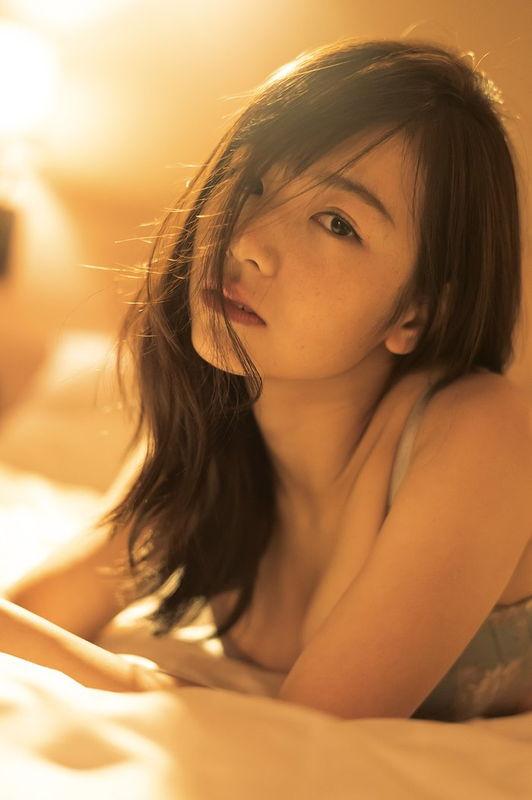乃木坂46選抜メンバー北野日奈子、1st写真集で下着姿を解禁し色っぽい谷間が見えてる
