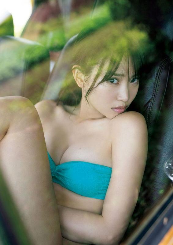女優としても活躍中の元AKB永尾まりや、食い込み凄い綺麗すぎる美尻でSEXYさをアピール