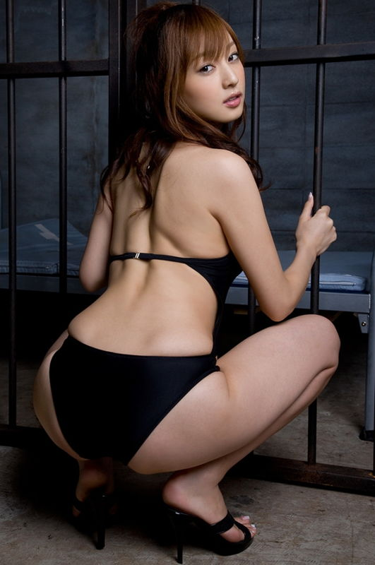 元Jrアイドル兼グラドル池田夏希、Kindle読み放題の写真集で陰毛がハミ出しまくった表紙が見つかる