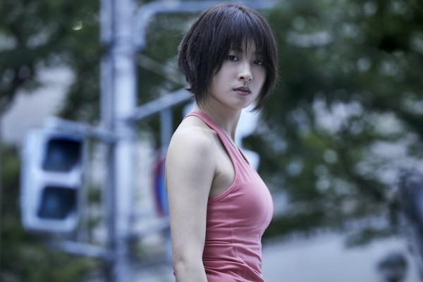 土屋太鳳、Netflixドラマでのおっぱいがデカい!めっちゃ乳強調してるなw